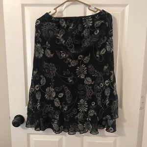 Briggs New York elastic waist floral skirt size S